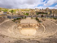 Клуб путешествий Павла Аксенова. Иордания. Амман. Римский театр. View on South Roman Theatre in the center of Amman, Jordan. Фото leshiy985 - Depositphotos