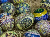 Клуб путешествий Павла Аксенова. Иордания. Амман. Traditional Arabic folk paintings on ostrich eggs on the eastern market. Фото leshiy985 - Depositphotos