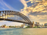 Sydney Harbour Bridge seen from Milsons point, Australia. Фото Leonid_Andronov - Depositphotos