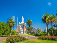 Queen Victoria statue at the Queen Victoria Gardens in Melbourne, Australia. Фото Leonid_Andronov - Depositphotos