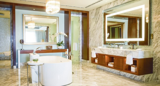 Клуб путешествий Павла Аксенова. Бахрейн. Jumeirah Royal Saray. Panoramic Ocean Suite. Bathroom