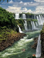 Клуб путешествий П. Аксенова. Бразилия-Аргентина. Водопады Игуасу. Iguassu Falls, South America. Border of Argentina and Brazil. Фото MichalKnitl-Depositphotos