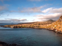 Эквадор. Галапагосские острова. San Cristobal Island, Galapagos. Kicker RockLeon Dormido - the icon of divers, the most popular dive. Фото xura - Depositphotos