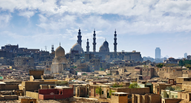 Клуб путешествий Павла Аксенова. Египет. Каир. Cairo cityscape. Old city and the Mosque of Sultan Hassan. Egypt, Africa. Фото znm666 - Depositphotos