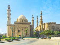 Египет. Каир. The Mosque-Madrassa of Sultan Hassan located near the Saladin Citadel in Cairo, Egypt. Фото efesenko - Depositphotos