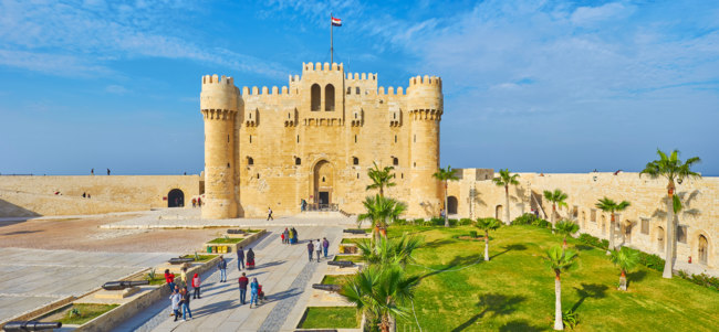 Клуб путешествий Павла Аксенова. Египет. Александрия. Qaitbay Fort from its ramparts, Alexandria, Egypt. Фото efesenko - Depositphotos