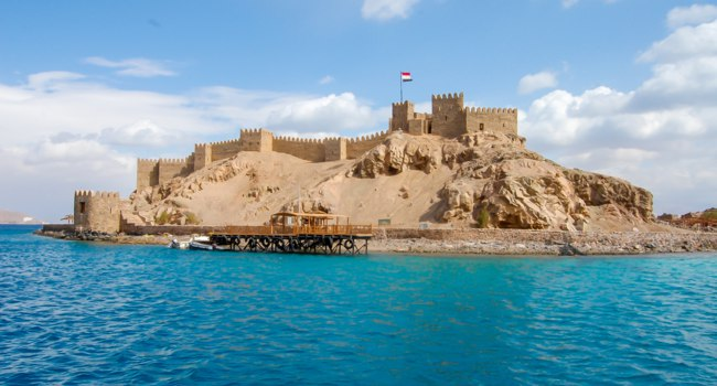 Клуб Павла Аксенова. Египет. Таба. Salah El Din Castle on Farun island in the Gulf of Aqaba,Red Sea,Taba,Egypt. Фото Kiyechka - Depositphotos