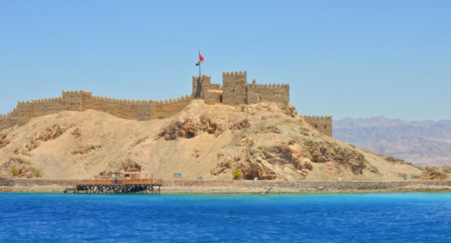 Клуб Павла Аксенова. Египет. Таба. Salah El Din Castle on Farun island in the Gulf of Aqaba,Red Sea,Taba,Egypt. Фото exelsior.v.mail.ru - Depositphotos