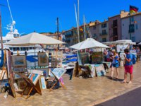 Лазурный Берег Франции. Сен-Тропе. View in the harbor of Saint Tropez, France. Фото Madrabothair - Depositphotos