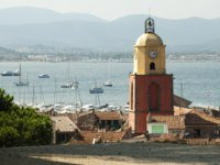 Лазурный Берег Франции. Сен-Тропе. Clock Tower in St Tropez. France. Фото Deyan Georgiev - Depositphotos