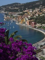 Лазурный берег Франции. Вильфранш. The resort of Villefranche-sur-Mer near Nice on the Cote d'Azur in the South of France. Фото Steve Allen - Depositphotos
