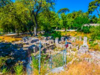 Лазурный Берег Франции. Ницца. Ruins of an ancient castle at the castle hill in Nice, France. Фото Dudlajzov - Depositphotos