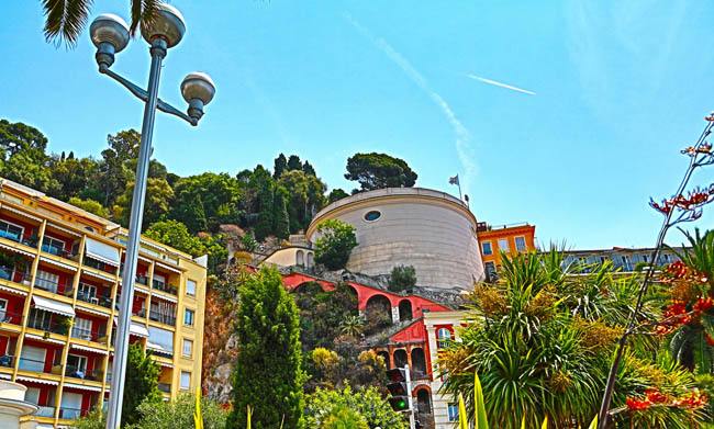 Лазурный берег Франции. Ницца. Beautiful View on the park of the Castle Hill in Nice, France. Фото luziana - Depositphotos