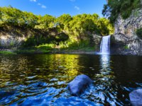 Заморские территории Франции. Остров Реюньон. Waterfall of Bassin La Paix at Reunion Island during a sunny day. Фото fontaineg974-Depositphotos