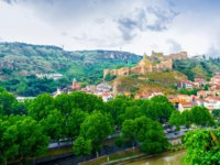 Грузия. Панорама Тбилиси. The Sololaki Hill is topped with the medieval Narikala Fortress, Tbilisi, Georgia. Фото efesenko - Depositphotos