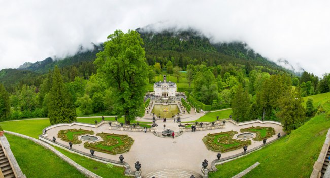 Клуб путешествий Павла Аксенова. Германия. Бавария. Замок Линдерхоф. Linderhof Palace - Schloss in Germany. Фото dmitr86 - Depositphotos