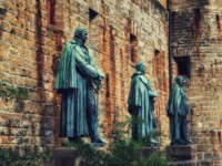 Германия. Баден-Вюртемберг. Замок Гогенцоллерн. Statues at Hohenzollern Castle (Hohenzollern) at the swabian region of Baden-Wurttemberg. Фото atosan-Deposit