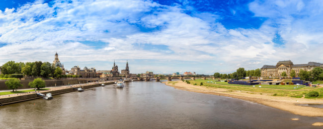 Клуб путешествий Павла Аксенова. Германия. Дрезден. Panoramic view of Dresden. Фото bloodua - Depositphotos