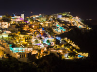 Клуб путешествий Павла Аксенова. Греция. Остров Санторини. Santorini night - Greece. Фото Violin Depositphotos