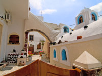 Клуб путешествий Павла Аксенова. Греция. Остров Санторини. Santorini beautiful buildings. Фото Anna Maloverjan Depositphotos