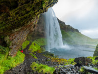 Клуб путешествий Павла Аксенова. Исландия. Seljalandsfoss - famous waterfall in southern Iceland. Фото mac_sim - Depositphotos