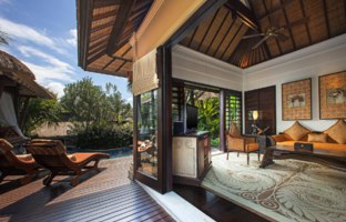 Индонезия.О.Бали. The St. Regis Bali Resort. Lagoon Villa - Living Room