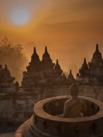 Клуб путешествий Павла Аксенова. Индонезия. Боробудур. Borobudur temple at sunrise, Java, Indonesia. Фото javarman - Depositphotos