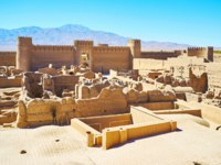 Иран. Крепость Раен. The ancient Arg-e Rayen fortress, built of mudbricks and located in Kerman province, Rayen, Iran. Фото efesenko - Depositphotos