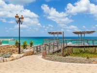 Израиль. Ашкелон. Viewpoint and lamppost on promenade overlooking Mediterranean sea under sky with white clouds in Ashkelon, Israel. Фото rglinsky-Deposit