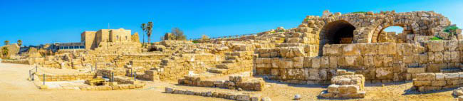 Израиль. Археологический парк Кесария. The ruins of the ancient city of Caesaria Maritima, located at the Mediterranean coast of Israel. Фото efesenko-Depositph