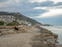 Клуб путешествий Павла Аксенова. Израиль. Хайфа. Sunset scene at the Bat-Galim beach, with visitors, in Haifa, Israel. Фото RnDmS-Depositphotos
