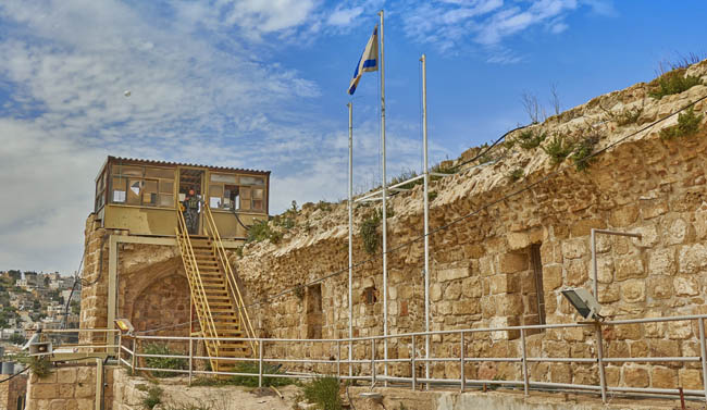 Клуб путешествий Павла Аксенова. Израиль. Палестинские территории. Хеврон. Hebron. Ancient Jewish city in Israel. Фото mosher-Depositphotos