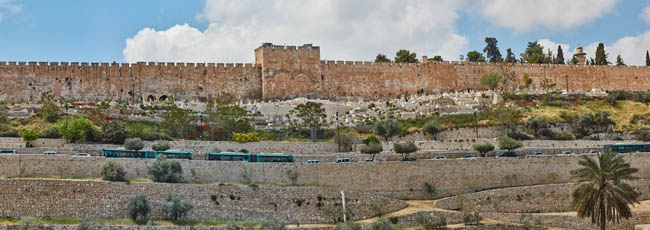 Клуб путешествий Павла Аксенова. Израиль. Панорама Иерусалима. Panorama of Jerusalem old city. Фото rasika108 - Depositphotos