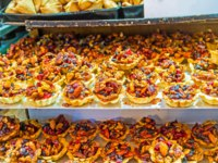 Израиль. Иерусалим. The pastry baskets with the dried fruits, nuts and honey are the popular sweets in Jerusalem's candy stores, Israel. Фото efesenko - Deposit