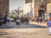 Израиль. Иерусалим. Tourists at the Jaffa Gate of the old City of Jerusalem, Israel. Фото RPBMedia - Depositphotos