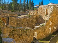 Израиль. Иерусалим. Виа Долороза. The Roman and Byzantine ruins can be found next to St Anne's Church, adjacent to the site of the Pool of Bethesda, Jerusalem