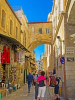 Израиль. Иерусалим. Виа Долороза. Tourists on Via Dolorosaof Jerusalem, Israel. Фото efesenko - Depositphotos