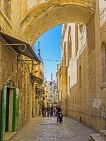 The Via Dolorosa is the narrow street inside the walled town, that leads from the Lions' Gate to the Church of the Holy Sepulchre. Фото efesenko - Depositphotos