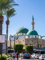 Клуб путешествий Павла Аксенова. Израиль. Акко. Al Jazzar Mosque (the white mosque) in the old city of Acre - Israel. Фото alefbet - Depositphotos