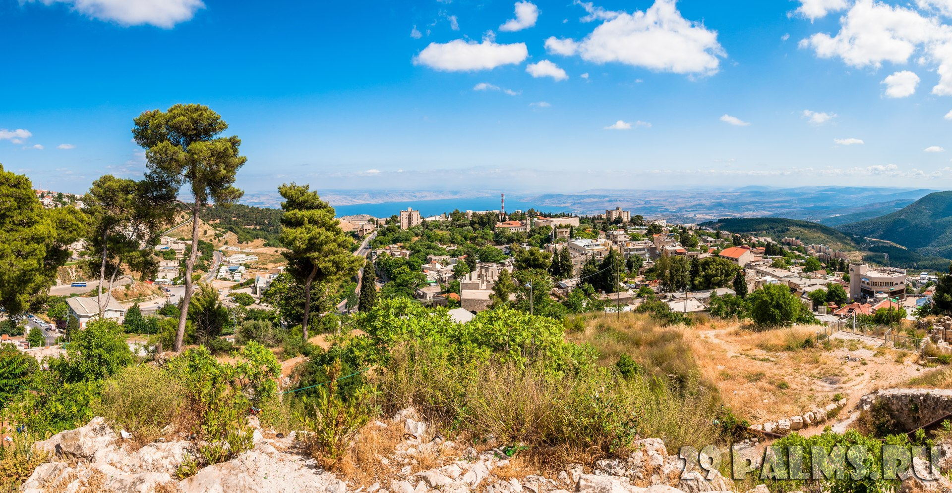 Израиль. Цфат. Panoramic view on North Galilee nature, Safed cityscape and Kinneret Lake in Israel. Фото YKD-Depositphotos