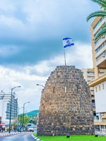Клуб Павла Аксенова. Израиль. Тверия. The preserved ruins of the Ottoman watchtower in the modern street of Tiberias, Israel. Фото efesenko - Depositphotos