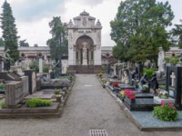 Италия. Монументальное кладбище Милана. View of tombs and graves inside of the Cimitero monumentale in Milano, Italy. Фото Robson90-Depositphotos