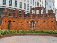 Италия. Милан. Ruins of San Giovanni in Conca, Old brik wall in the center of Milan, Italy. Фото samurkas - Depositphotos