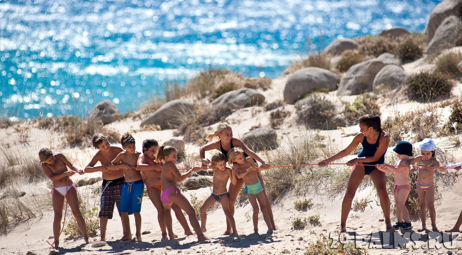 Фото голый семейный нудизм, Фото нудистов на пляже, семейный нудизм и фото 8 фотография