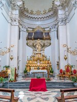 Италия. Сицилия. Катания. Altar with Saint Agatha statue in the Church Badia di Sant'Agata in Catania, Sicily, Italy. Фото e55evu - Depositphotos