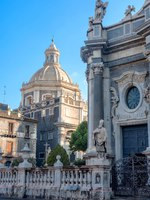 Италия. Сицилия. Катания. View of Saint Agatha Cathedral from Piazza del Duomo. Catania, Sicily, Italy. Фото Bareta - Depositphotos