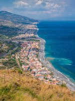 Италия. Сицилия. Форца-д'Агро. Panoramic view from Forza d'Agro. Province of Messina, Sicily, southern Italy. Фото e55evu - Depositphotos