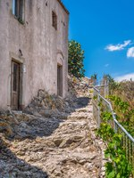 Италия. Сицилия. Форца-д'Агро. Scenic view in Forza d'Agro, picturesque town in the Province of Messina, Sicily, southern Italy. Фото e55evu - Depositphotos