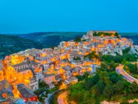 Италия. Сицилия. Рагуза. Sunset view of old town of the sicilian city Ragusa Ibla, Italy. Фото Dudlajzov - Depositphotos
