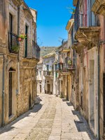 Италия. Сицилия. Рагуза. Scenic sight in Ragusa Ibla on a summer day, Sicily, southern Italy. Фото e55evu - Depositphotos